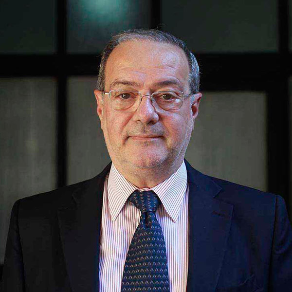 Dr. Alfredo Bunader