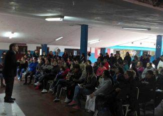 La Escuela Crisóstomo Álvarez fue sede de una charla sobre Meningitis