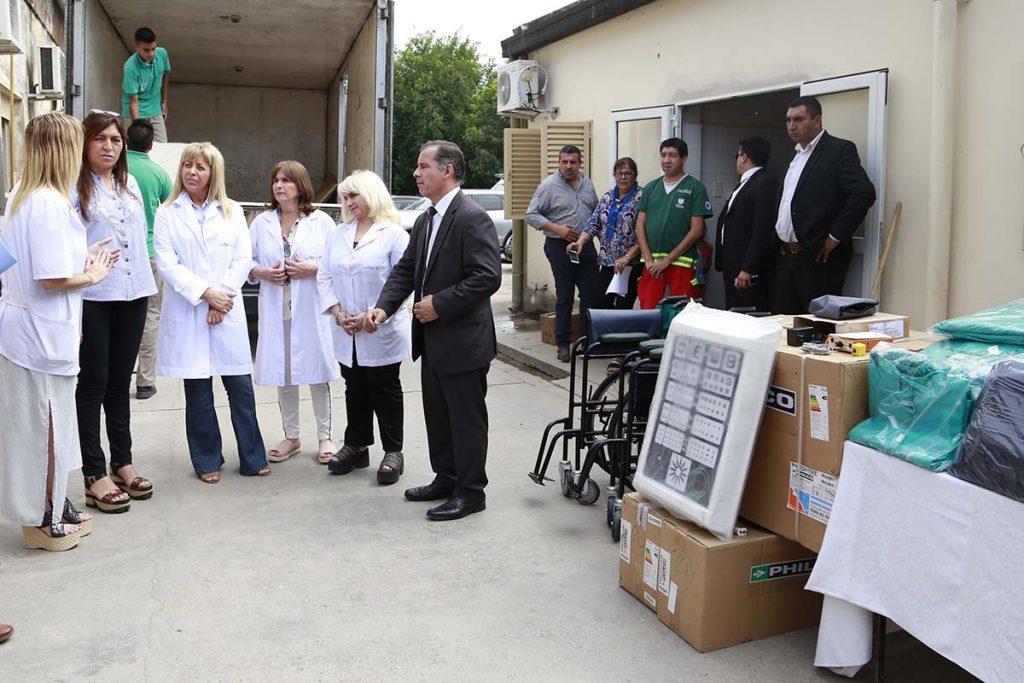 La ministra entregó equipamientos y materiales en el hospital de Alberdi