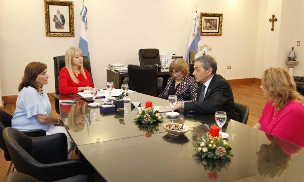 La ministra de Salud Pública firmó un acuerdo con autoridades de la Facultad de Bioquímica