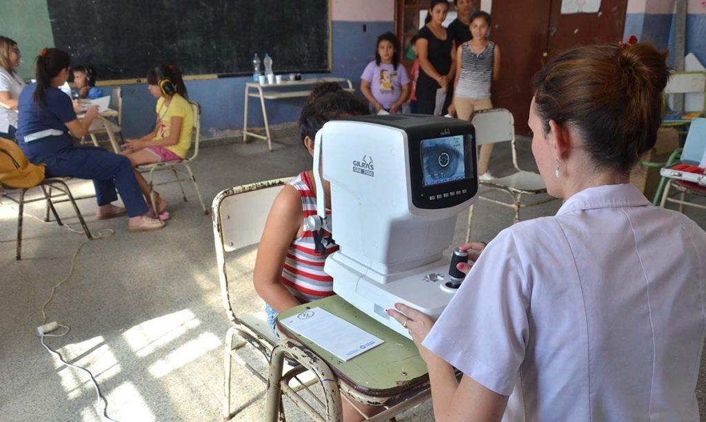 Más de 200 alumnos de la escuela Amado Nicomedes Juri completaron su ficha médica