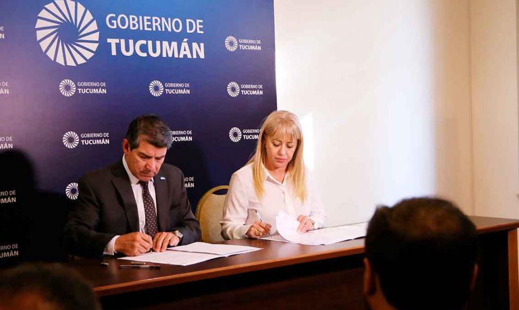 Salud Pública y Seguridad firmaron un convenio para cuidar a los trabajadores