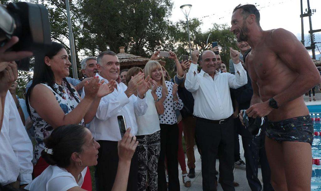 La ministra Rossana Chahla acompañó al gobernador en la inauguración del natatorio municipal