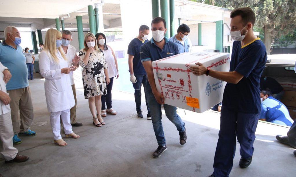 Arribaron a la provincia 60.840 vacunas Pfizer y 5.625 dosis del segundo componente de Sputnik V